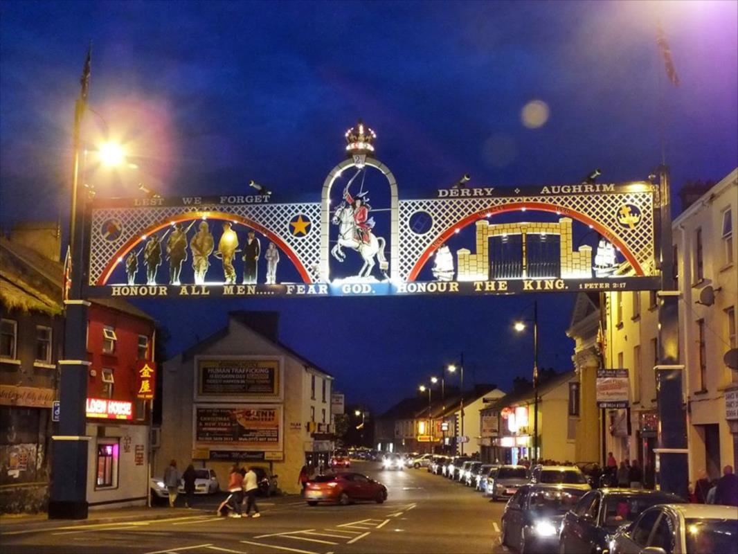 Edenderry Arch at night